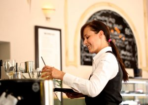 3 Reasons to Invest in New Employee Uniforms for Your Restaurant this Year
